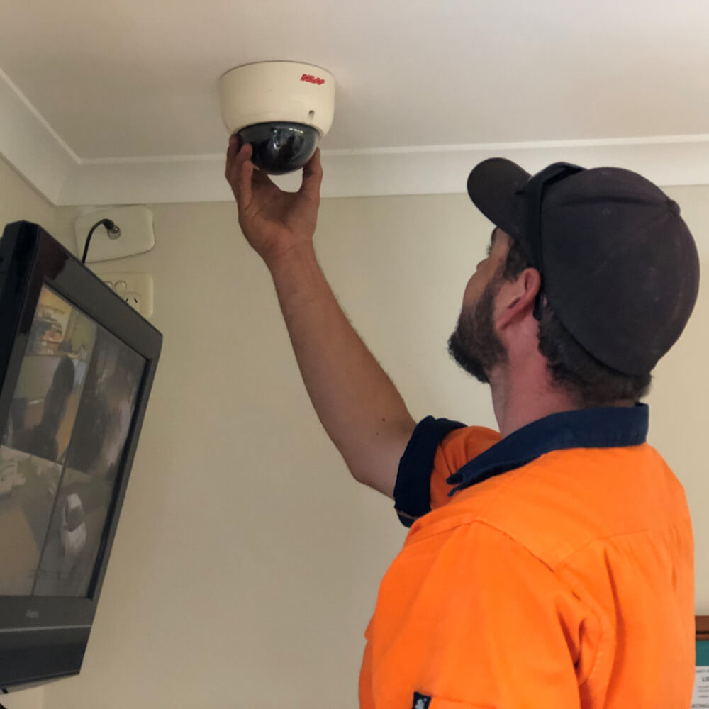 wondai-electrical-services-security-cctv-installers-murgon-kingaroy-goomeri-wondai-data-tradie-install-cctv-camera-image